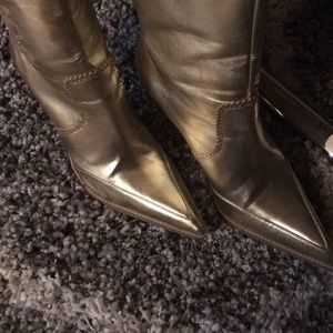OXOXO Shoes - ⛄️⛄️👢👢OXOXO GOLD BOOTS